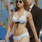 Kangana Ranaut round boobs shaved pussy photographed in studio