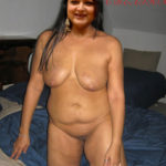 fat ass Khushboo spreading shaved pussy xxx photo