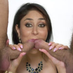Sexy nude ass Kareena Kapoor group sex sucking black cock