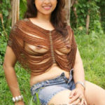 Full nude Sri Divya body without dress outdoor shoot photo