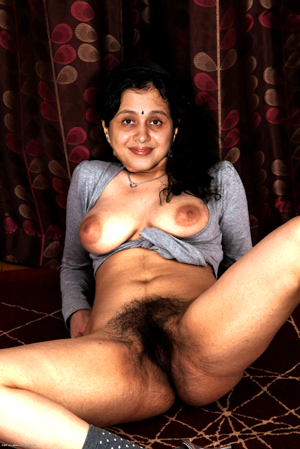 Sexy nipple Devayani spreading her leg and showing hairy pundai