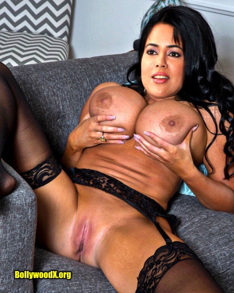 Sameera Reddy pressing her milky boobs shaved pussy foto download