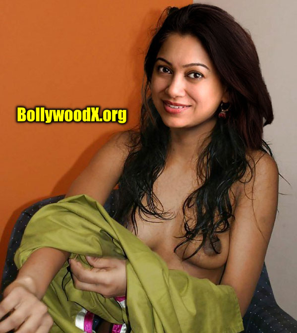 Anjali Menon removing her blouse black nipple small boobs exposed photo