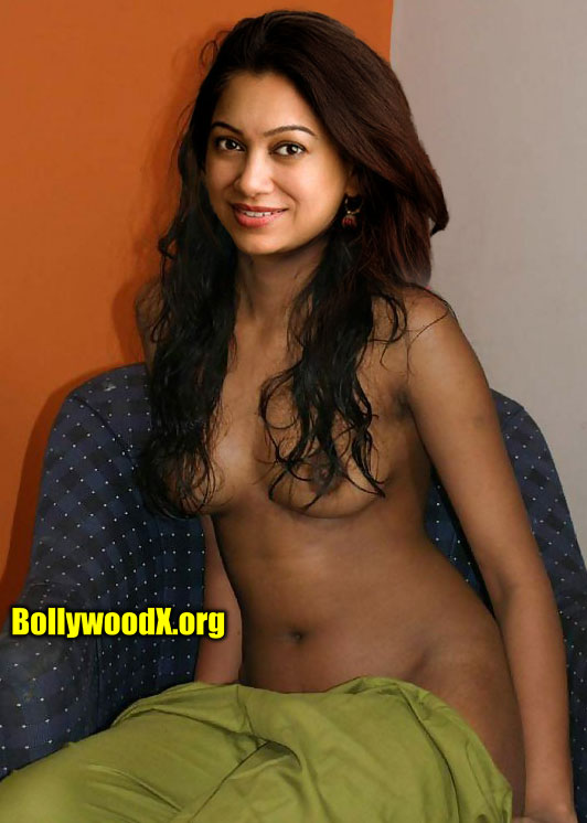 Anjali Menon removing her saree topless photo without bra and blouse