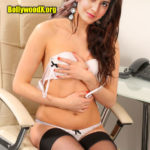 Raashi Khanna removing her bra for telugu film audition xxx pic