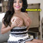 Topless big boobs Mareena Michael Kurisingal covering her nipple