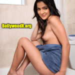 Topless VJ Chitra hot bathroom photo nude boobs sexy leg