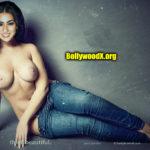 Hot Full Nude Actress Sara Ali Khan topless boobs without bra